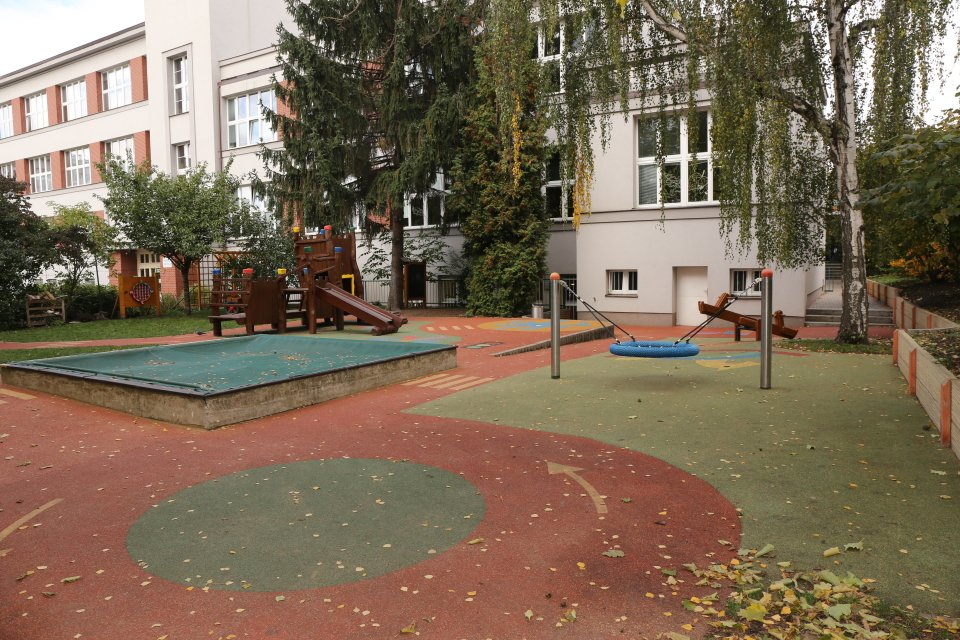 http://skolypraha3.cz/wp-content/uploads/2016/07/MS_Prazacka_03.jpg