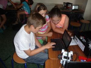 Žáci při tvorbě programu