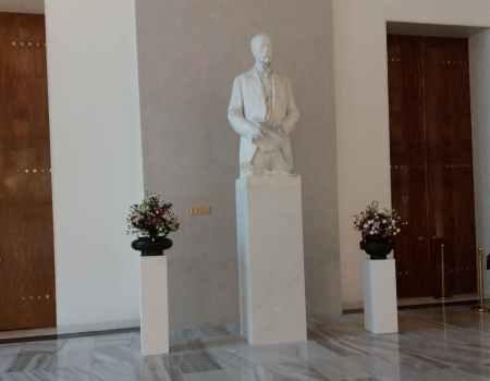 T.G. Masaryk - vstupní hala Plečnikova schodiště