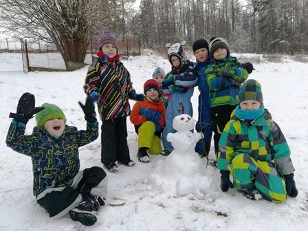 Ozdravný pobyt dětí z MŠ Lobkovicova na sněhu se sněhulákem Pepou