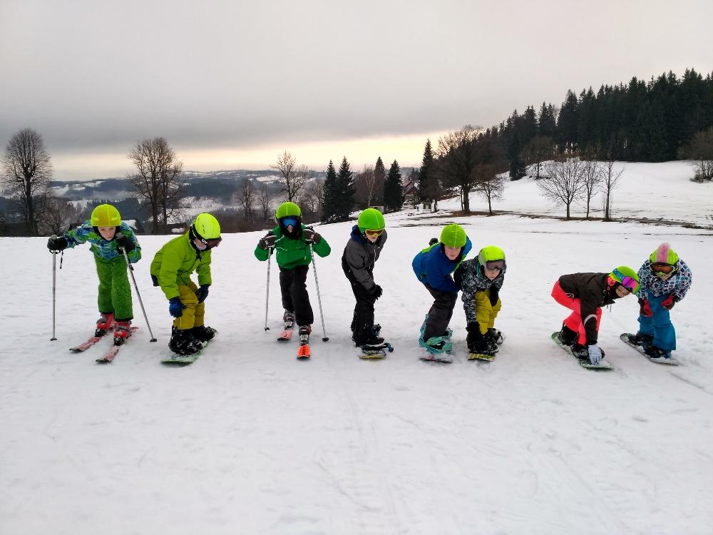 Lyžařský a snowboardový výcvikový kurz pro žáky 1. stupně, Základní škola, Praha 3, nám. Jiřího z Poděbrad