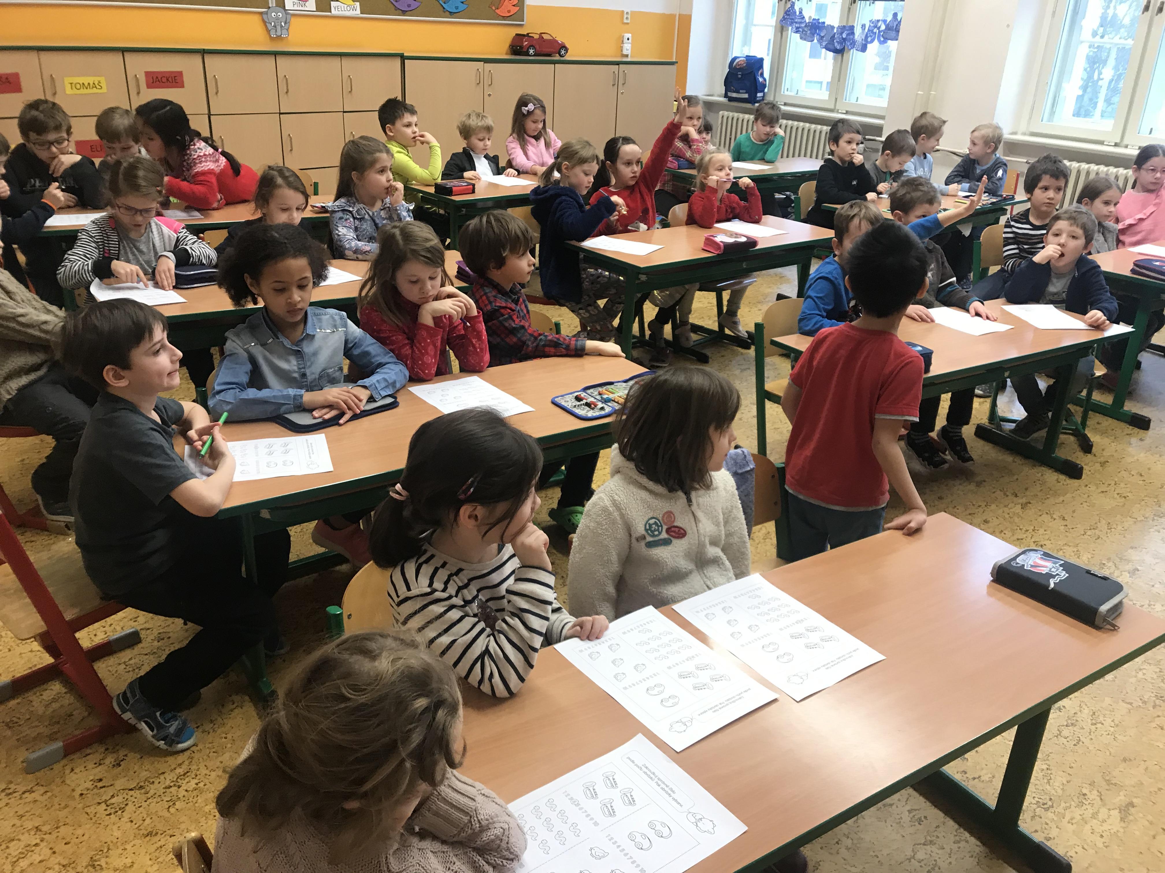Děti z MŠ Vozová 5 ve škole